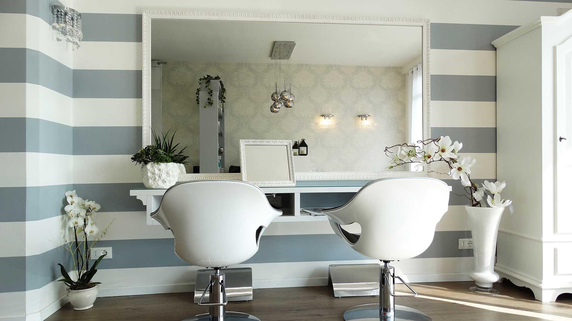 Arredamento per saloni di parrucchieri jd design for Arredi per saloni parrucchieri